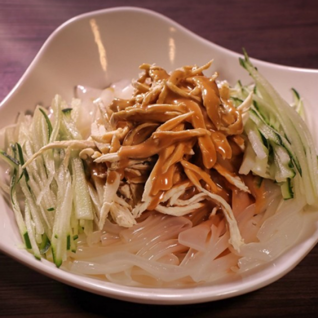 Shredded chicken with bean jelly sheets, peanut and sesame dressing