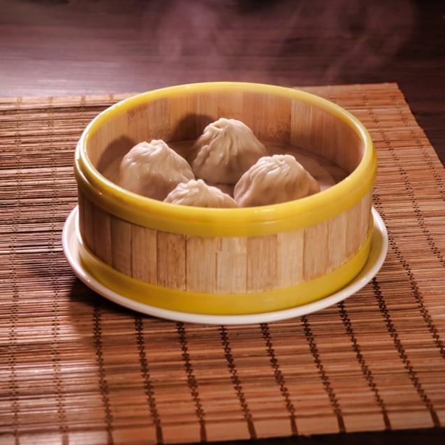 Steamed pork dumplings, Shanghai style (x4)